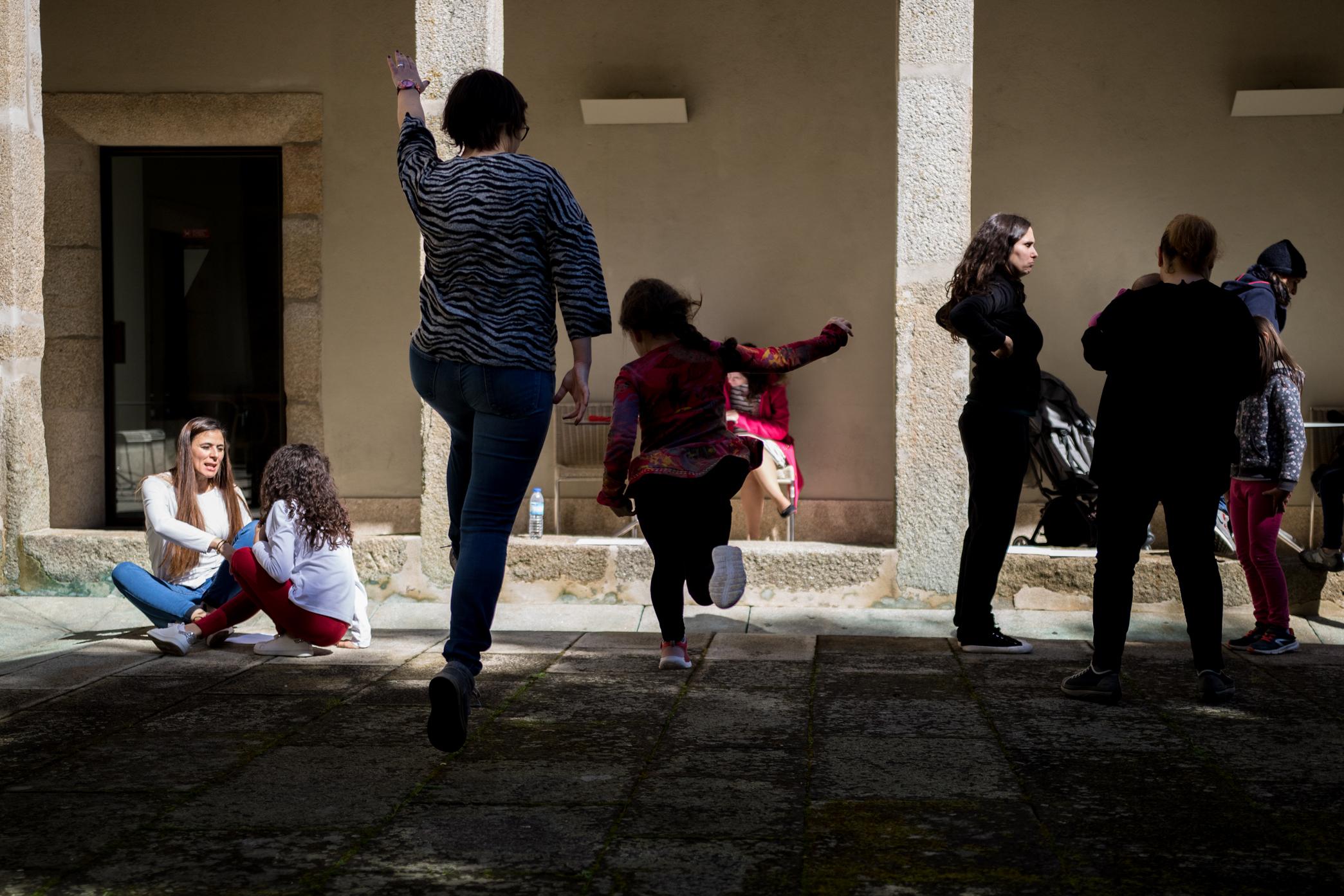 Workshop Artístico de Dança dinamizado pelo bailarino Romulus Neagu – 9 de março de 2019