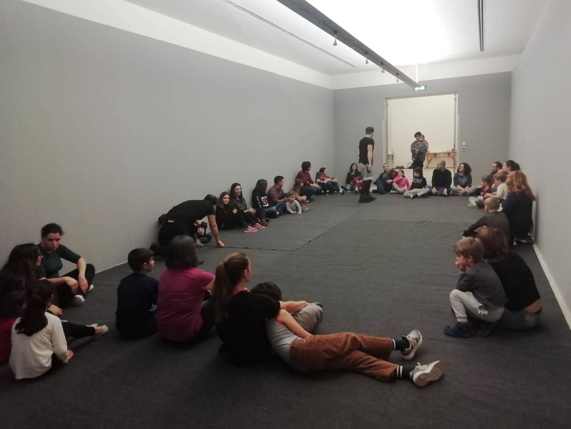 Breve registo fotográfico da sessão do Workshop Artístico de Dança